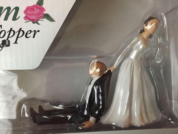 """Realkonsum Kuchenfigur """"Zögernder Bräutigam"""" Hochzeitstorte Verpackung"""
